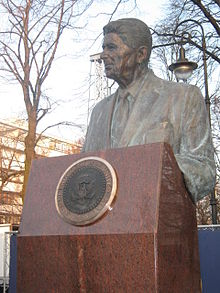 Ronald_Reagan_in_Warsaw.4