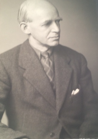Dodds, E. R.