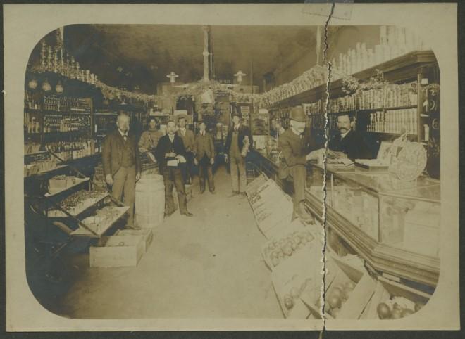 Bertonneau 08 Pasadena Grocery Interior