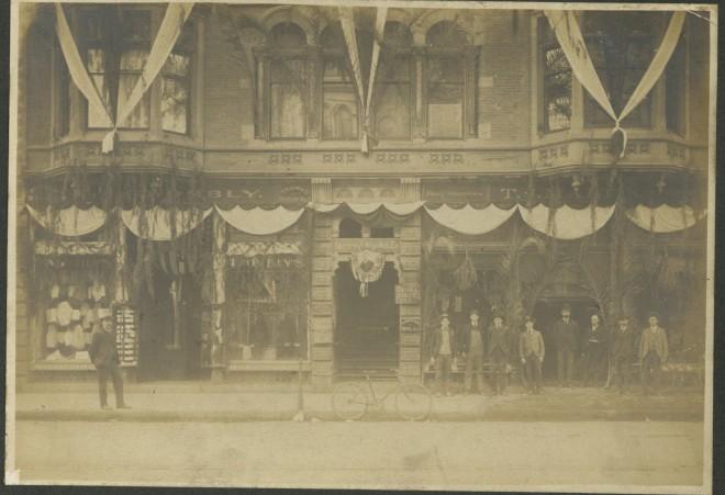 Bertonneau 23 Pasadena Store Arnold (Left)