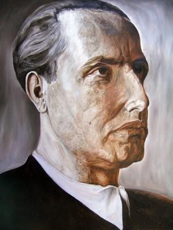 Evola 01 Portrait Right-Facing